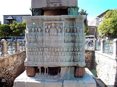 テオドシウスのオベリスク台座