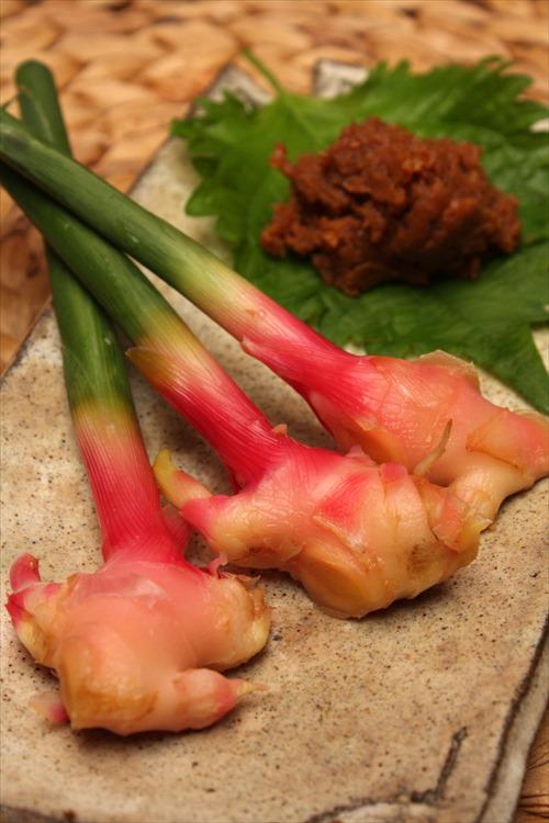 谷中生姜の甘酢漬け