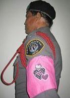 タイの警察官、ハローキティ風の腕章