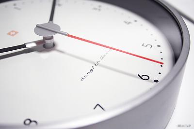 BENGT EKデザイン 掛時計1