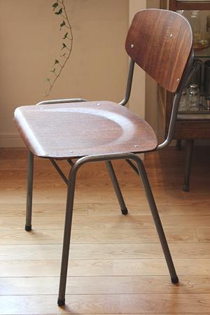 学校椅子300.jpg