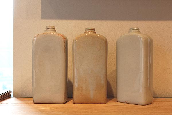 陶器の水筒1.jpg