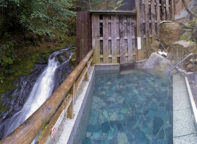 滝の湯露天風呂