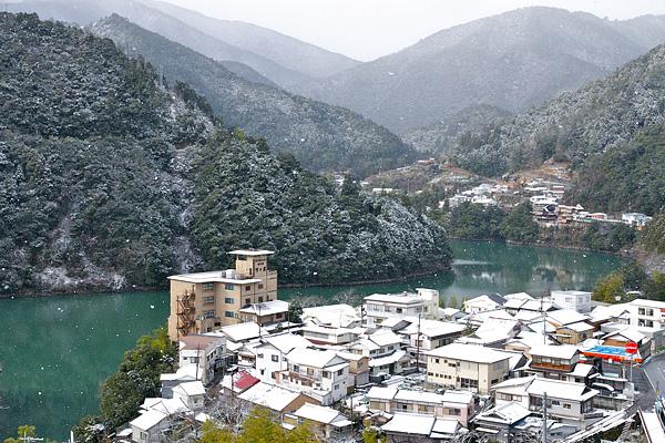 雪化粧の十津川温泉2