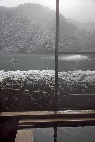 庵の湯雪見風呂2