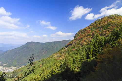 錦秋の玉置山
