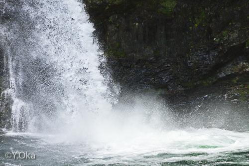 瀬野の滝マイナスイオンの滝
