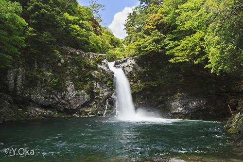 瀬野の滝(マイナスイオンの滝)