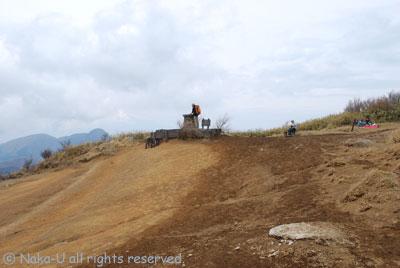 明神ケ岳頂上の様子