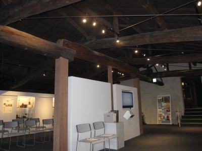 島津製作所創業記念資料館 展示室