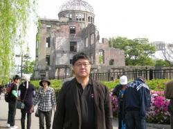 原爆ドーム前にて