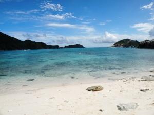 青い沖縄の海!