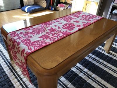 テーブルランナー ハワイアンキルト柄 ピンク 手づくり