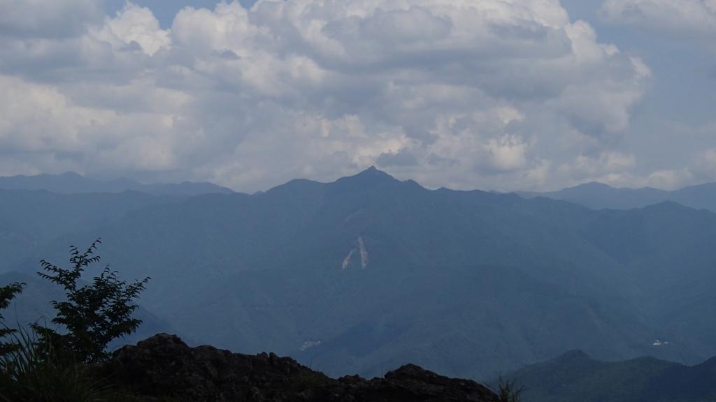 展望岩から大峰山脈