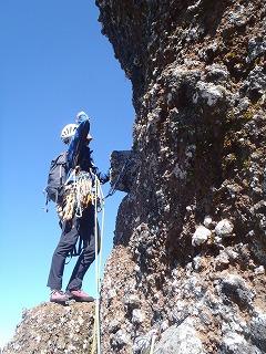 ドームの登攀。