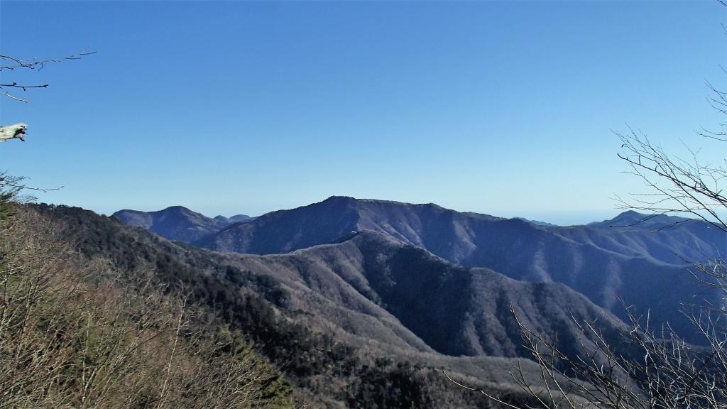 雲取山までの稜線