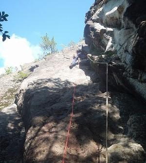 右の岩、左の岩を攻略