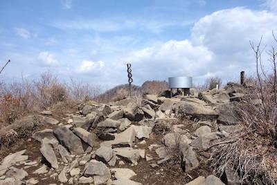 ニセ八茅ヶ岳山頂