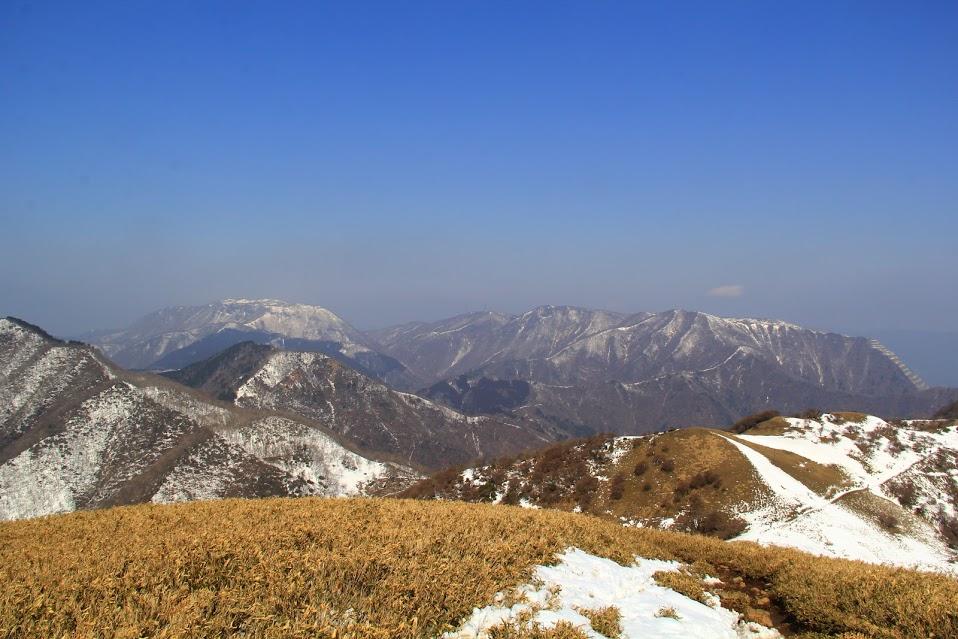 山頂は大展望。