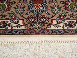 ペルシャ絨毯の端