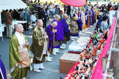 22年岩槻人形供養祭
