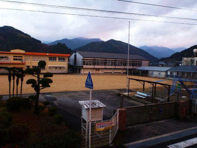 大栃小学校