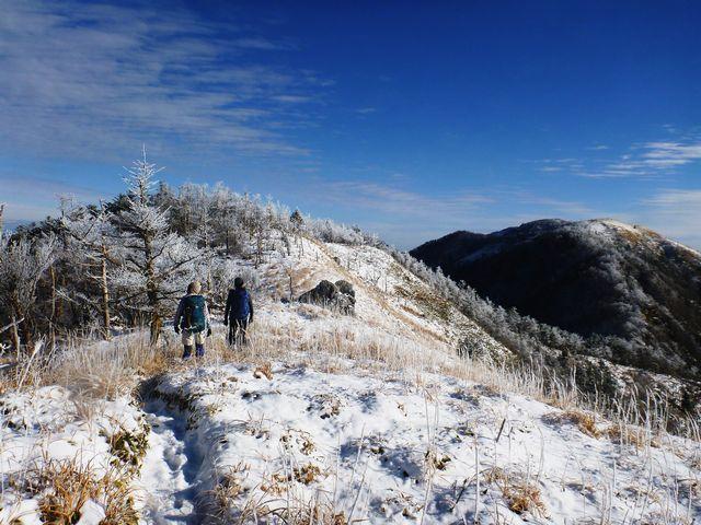 剣山への縦走路