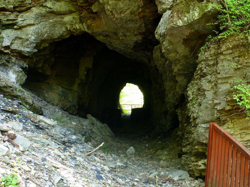 西熊林道トンネル