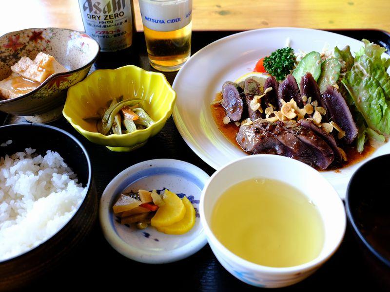 べふ峡温泉・鹿肉のステーキ定食