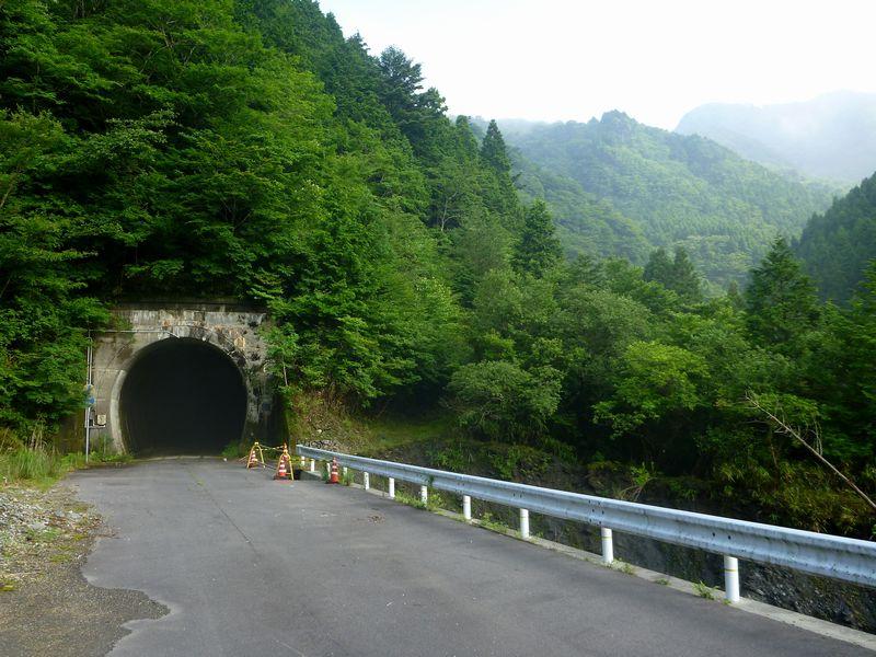 白髪隧道(高知県側)