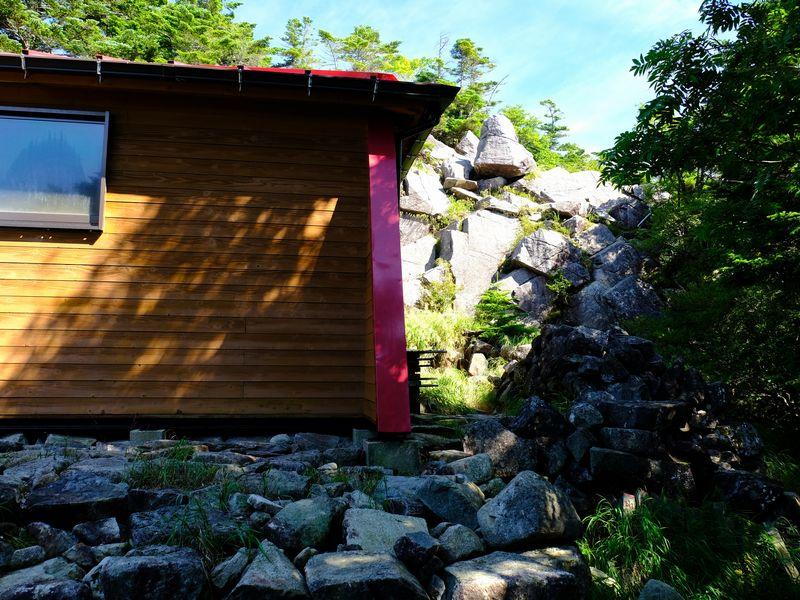 恵那山頂小屋