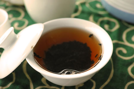 宮廷プーアル熟散茶05年