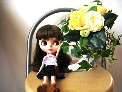 エミリーとお気に入りの造花。