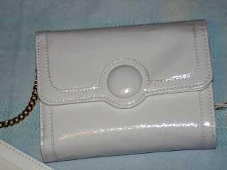 白い開運財布