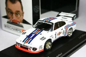 1/64 ミニチャンプス ポルシェ 935 Martini #1