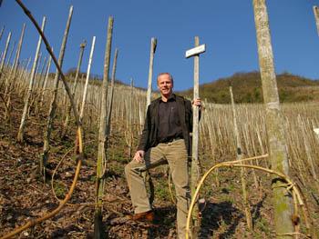 カール エルベス 2007年春、ビュルツガルデンの畑で。