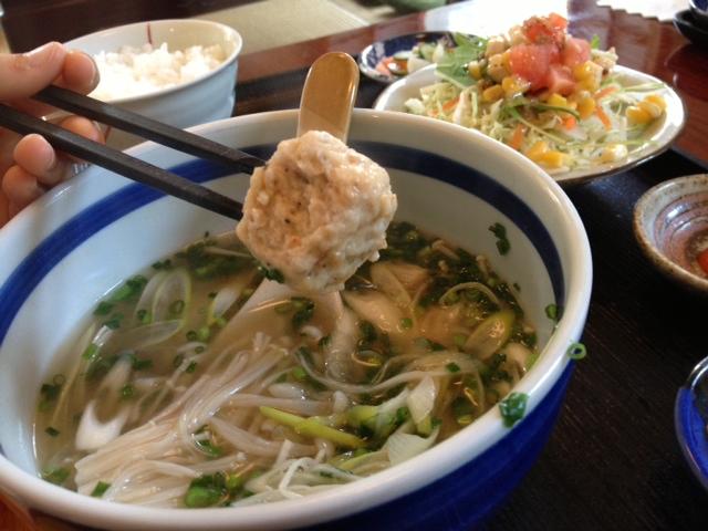 とり軟骨のお団子と水餃子スープ