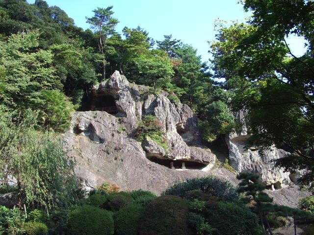 岩もあります