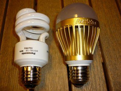 電球形蛍光灯とLED電球