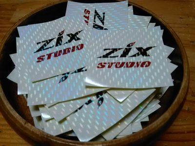 ZIXスタジオ8周年記念ステッカー