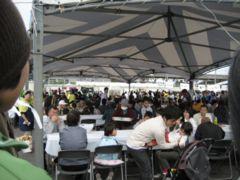 食卓の大テント