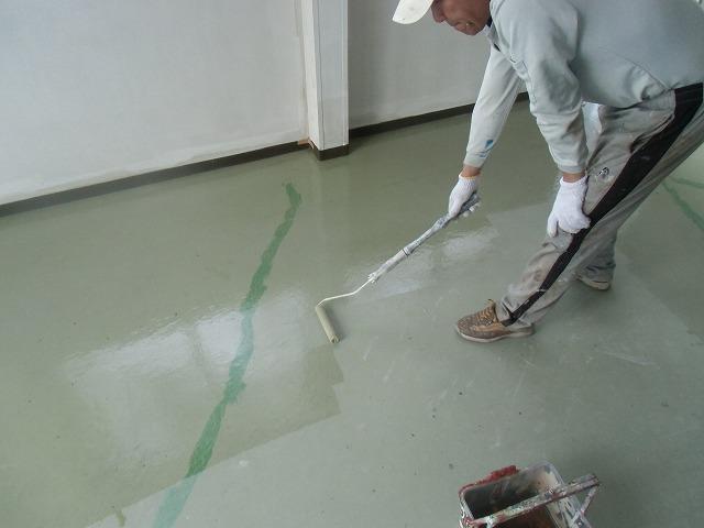 床 プライマー塗装
