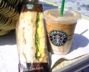 朝ご飯はStarbucks。