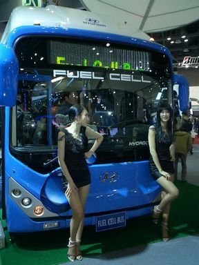 現代自動車バス