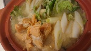 鮭缶味噌鍋2