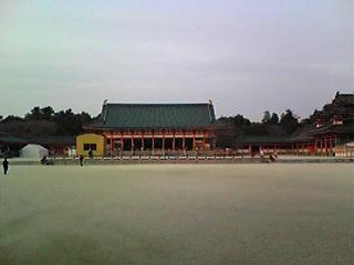 大内裏の一部復元計画によってできた平安神宮