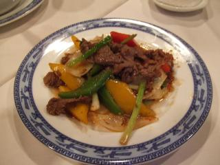 Stir-fried beef with satay sauce