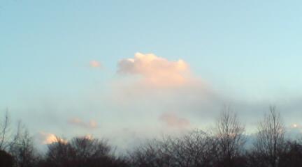 ふんわり雲.JPG