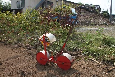 玉ねぎ種まき機
