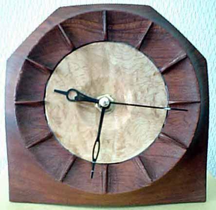 ブビンガ時計正面